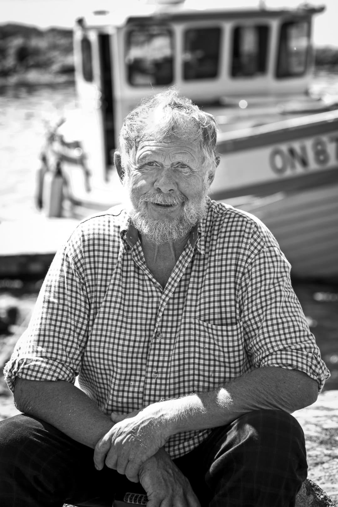 Owe Wiström har bott på Örö i större delan av sitt liv och han är full av historier om Misterhults skärgård.