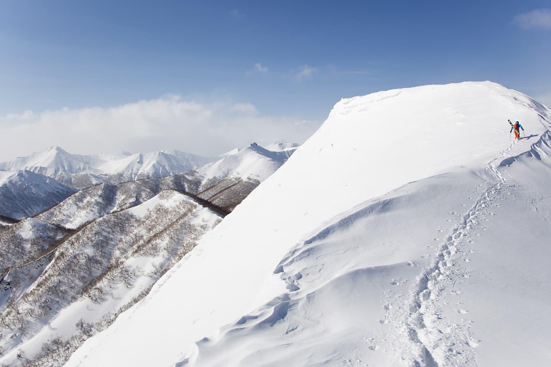 Oscar Hübinette och bergen i närheten av Petropavlovsk-Kamchatsky