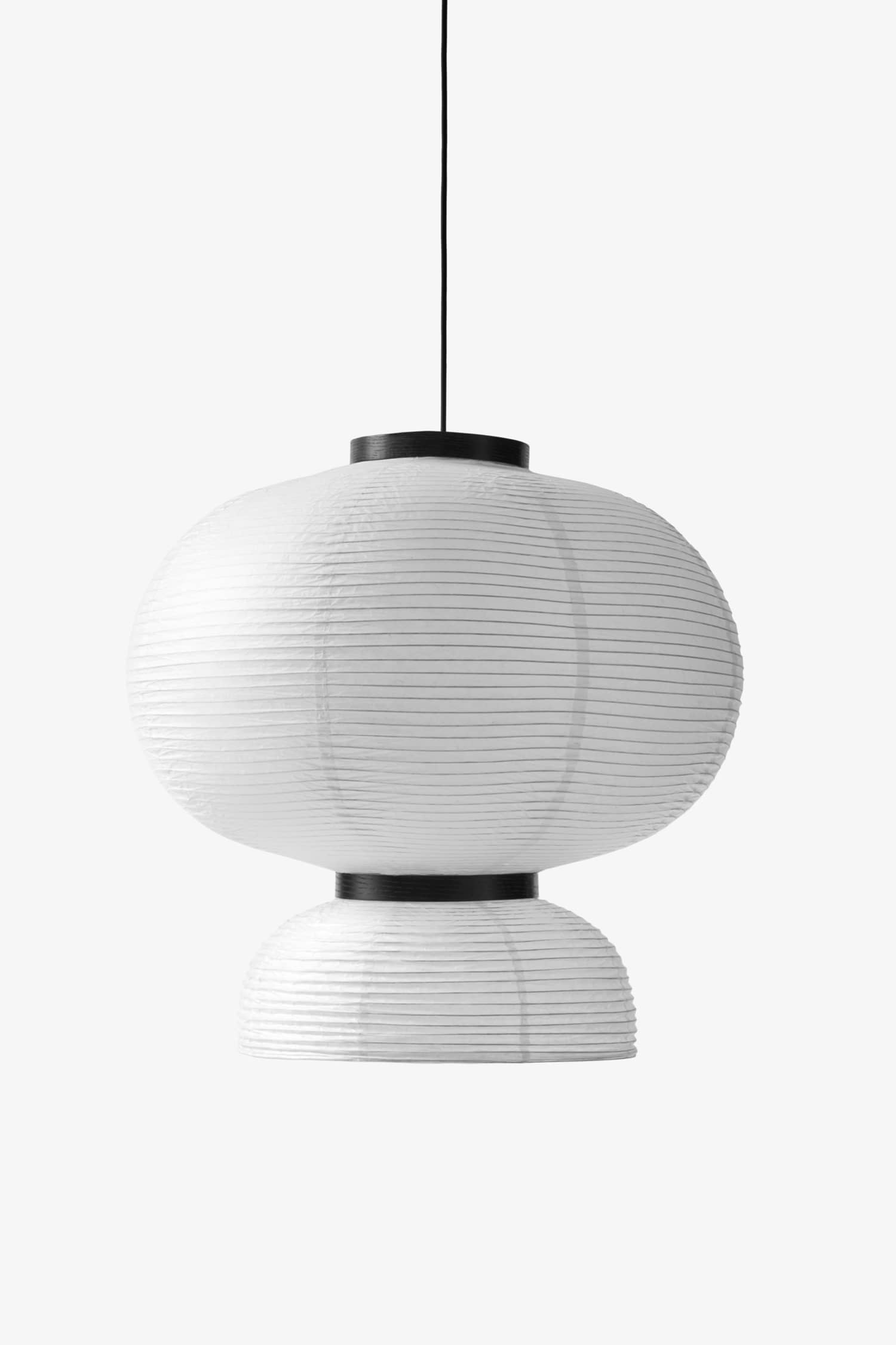 Rispapperslampan, som var inne på 70- och 90-talet, har blivit populär igen, mycket tack vare &Traditions variant som Jaime Hayon designat. &Tradition, 2 395 kr