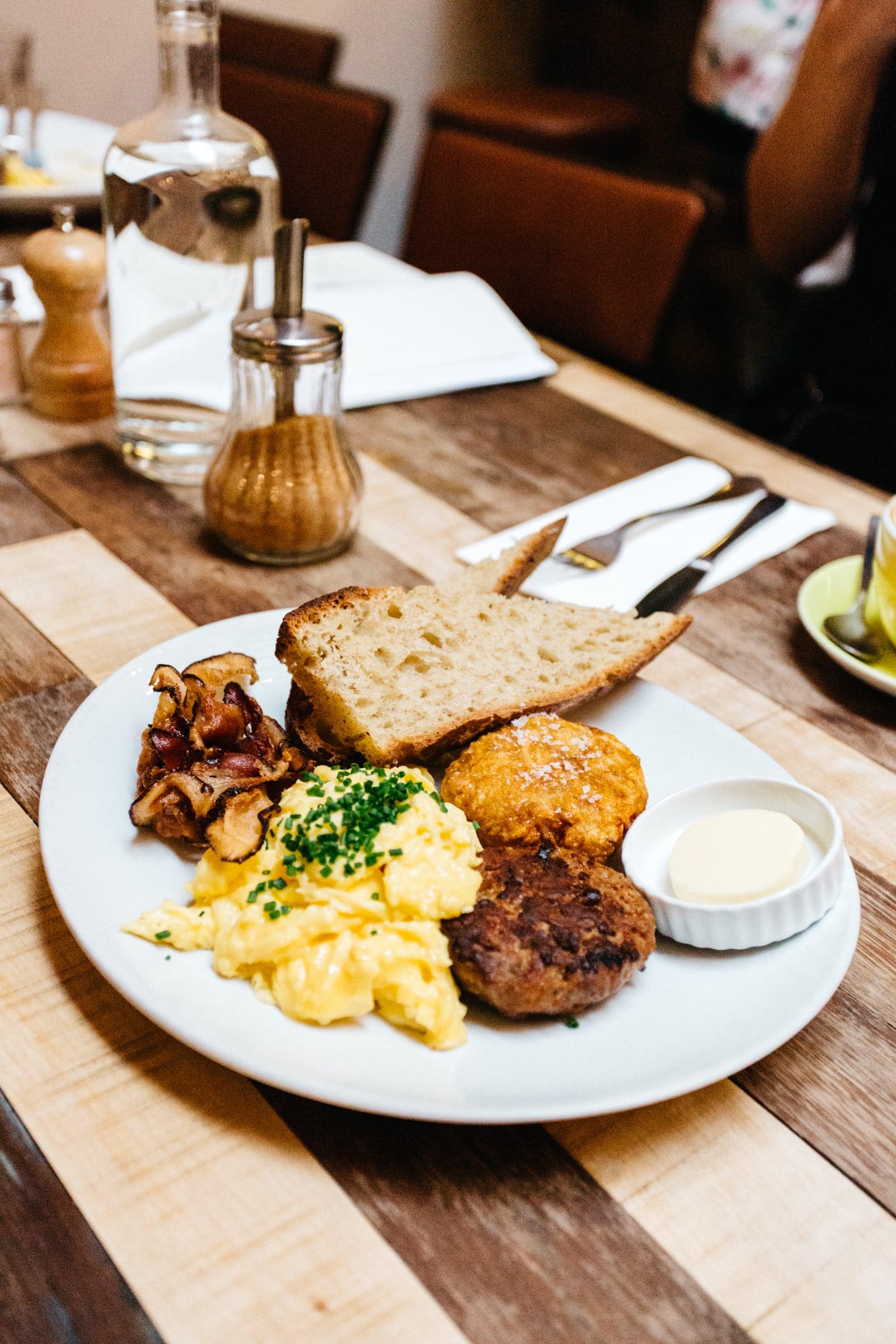På Holybelly 5 beror maten på humöret, och kan vara allt från traditionellt franskt till klassiskt engelskt.