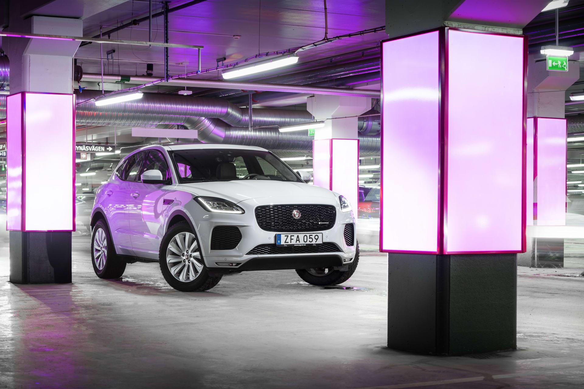 """Ett av denaste tillskottet i Jaguarfamilen är """"baby-Jaggan"""" E-Pace. En liten prestanda-suv som ska ge Audi Q1 och Volvo XC40 en ordentlig match."""
