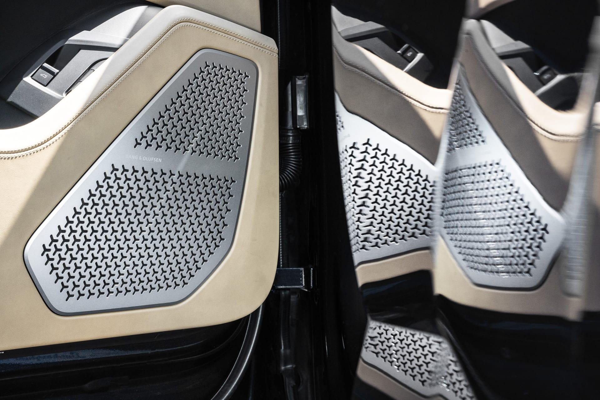 Lamborghinis mönster har även hittat hem i högtalarna från Bang & Olufsen.
