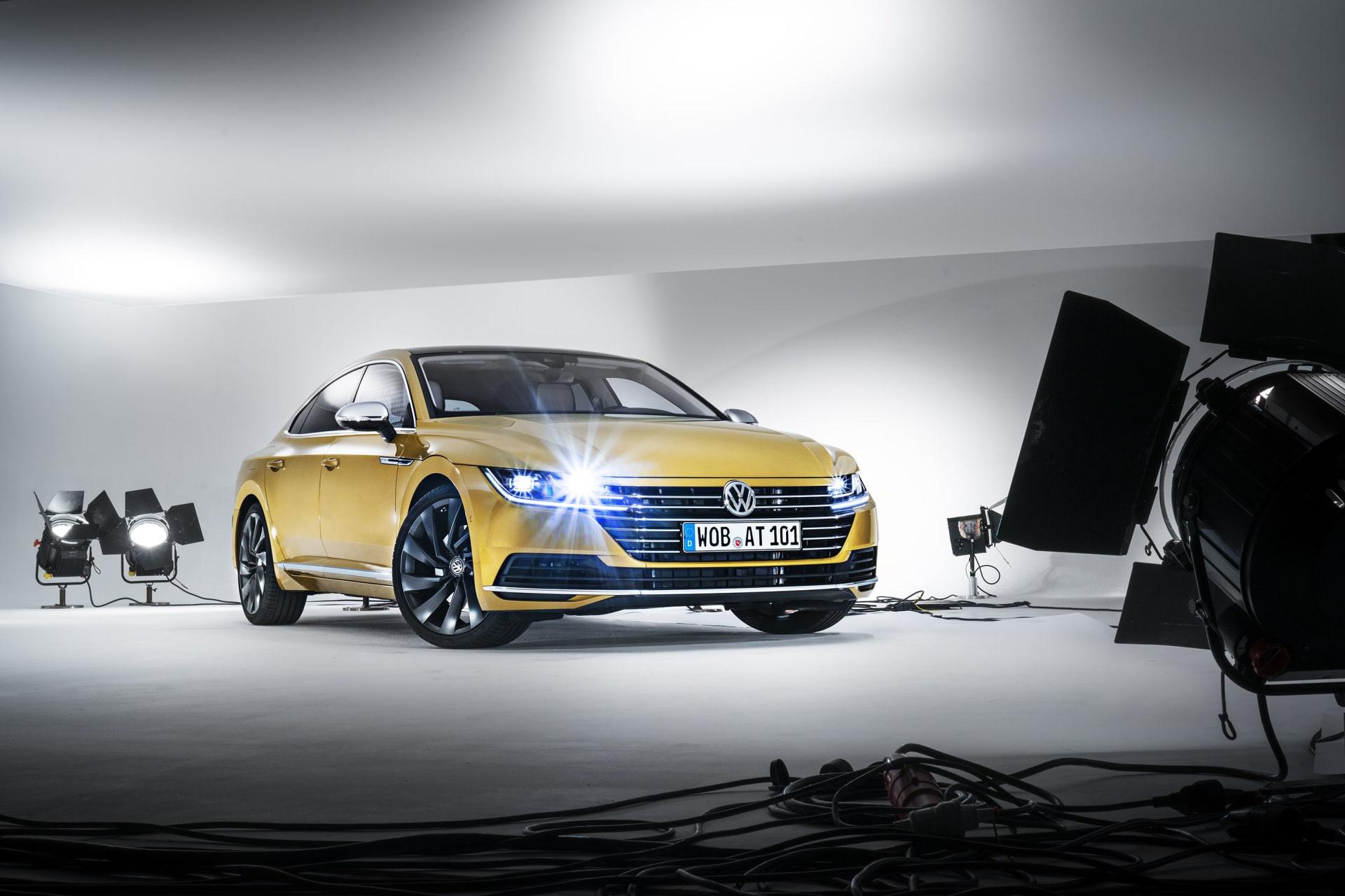 Arteon är efterträdaren till Volkswagen CC eller som den först hette Passate CC. En fyrdörrarskupé med konkurenterna så som Mercedes CLS och BMW 4-Serie Gran Coupé för att nämna några.