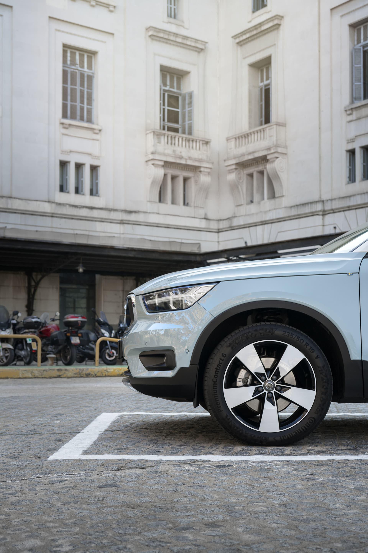 Babyblå skulle vissa säga, andra mer Volvo inbitna skulle däremot kalla den Amazonblå vilket också är namnet på färgvalet nya XC40 finns i.