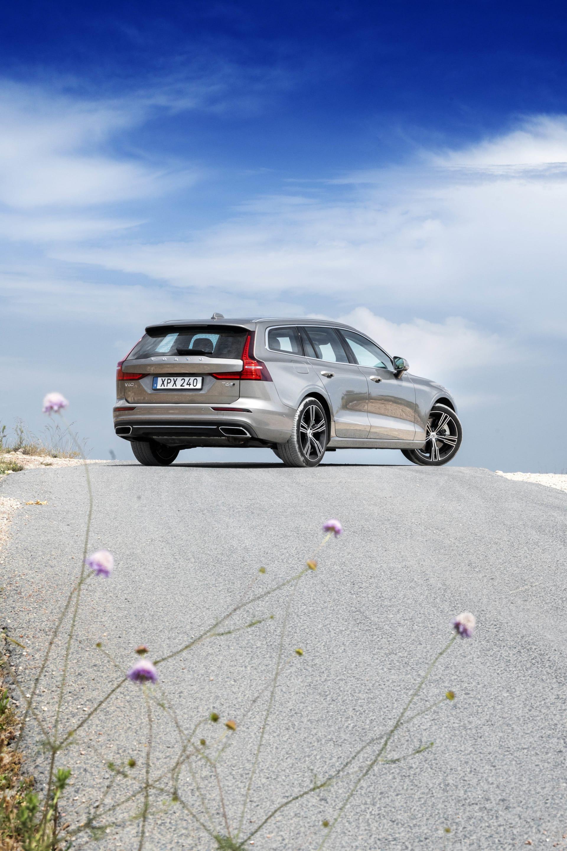 Volvo V60 kommer definitivt bli en storsäljare. Både bland familjer men även i tjänstebilssektorn.