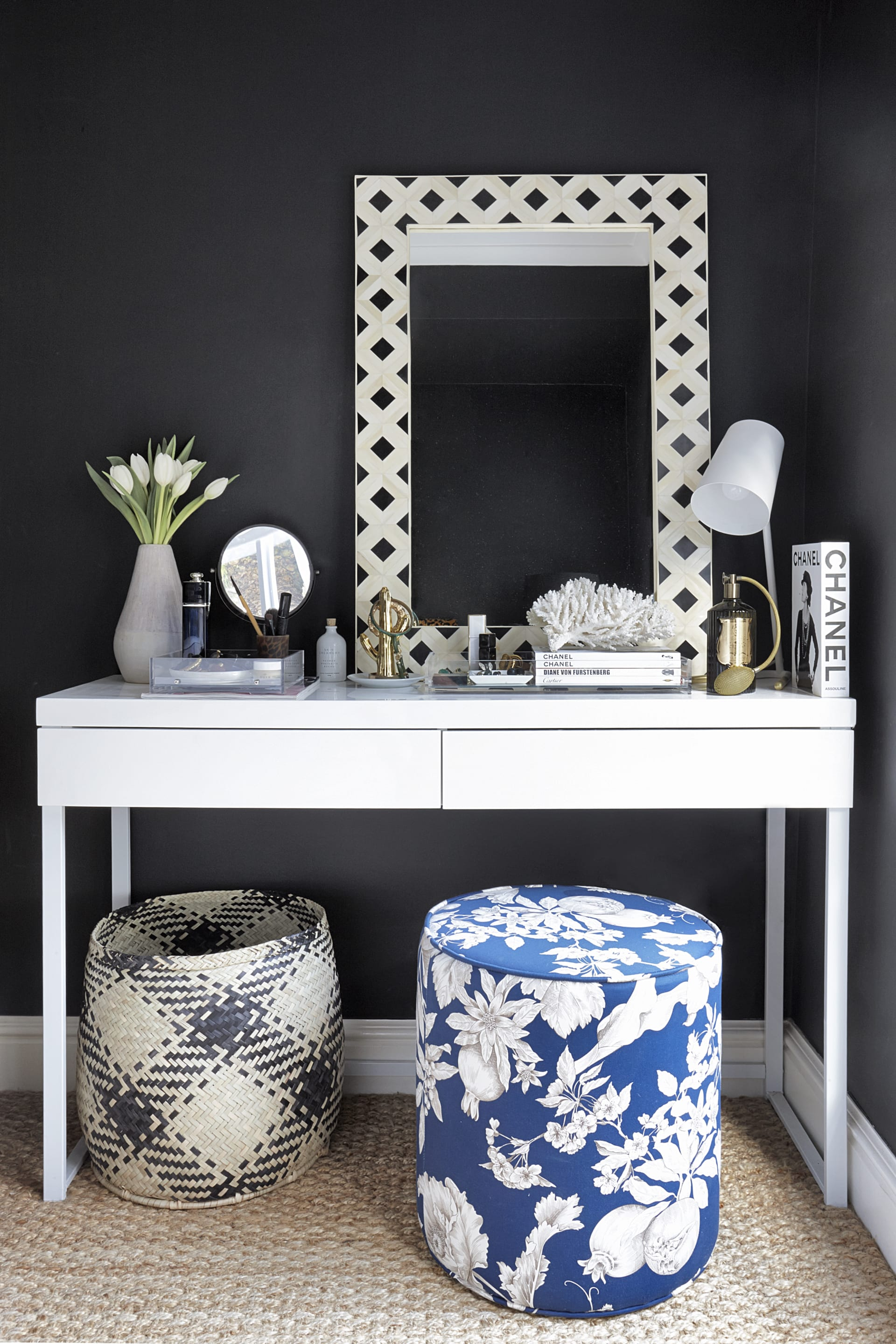 The bedroom vanity is a blend of handcrafted and modern pieces all sourced locally in South Africa.© Micky Hoyle