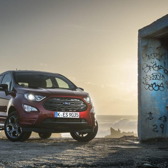 En av de senaste uppdateringarna hos Ford är den kompakta suven EcoSport. Nu har EcoSport en mer aggressiv front vilket gör den mer konkurrenskraftig i segment som snarare kan ses som ett getingbo.