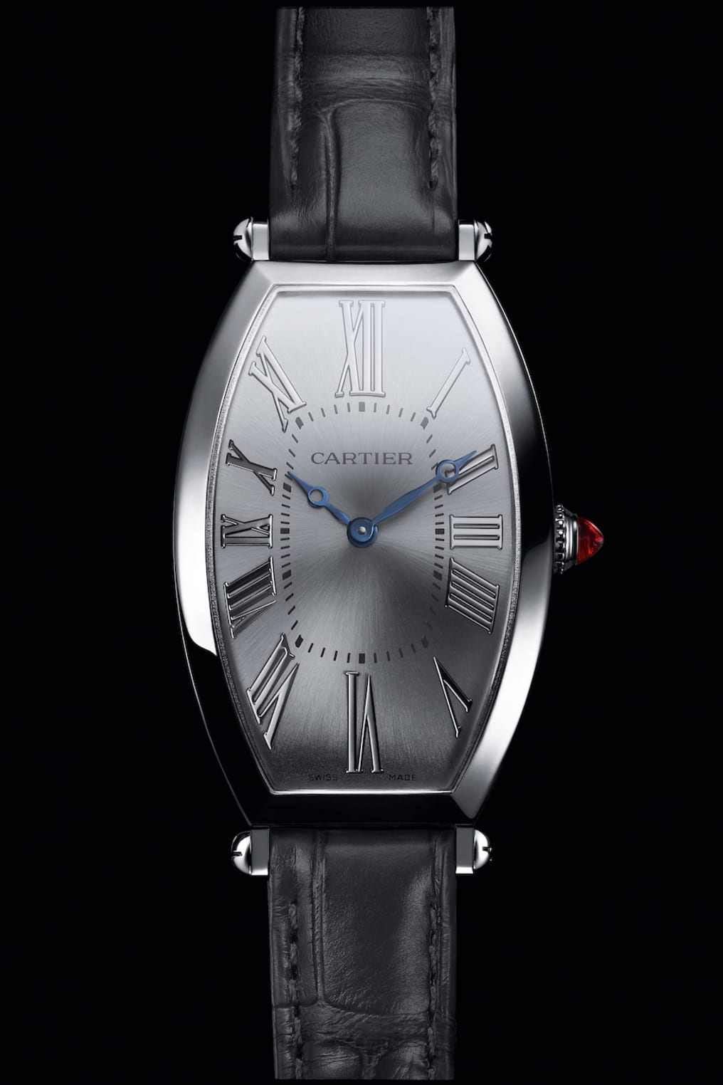 The Cartier Privé Tonneau i platina.