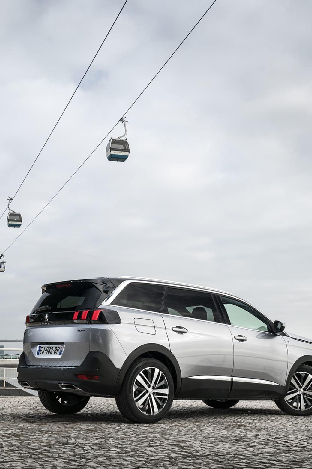 Provkörningen av 5008 SUV var förlagd till Lissabon, Portugal.