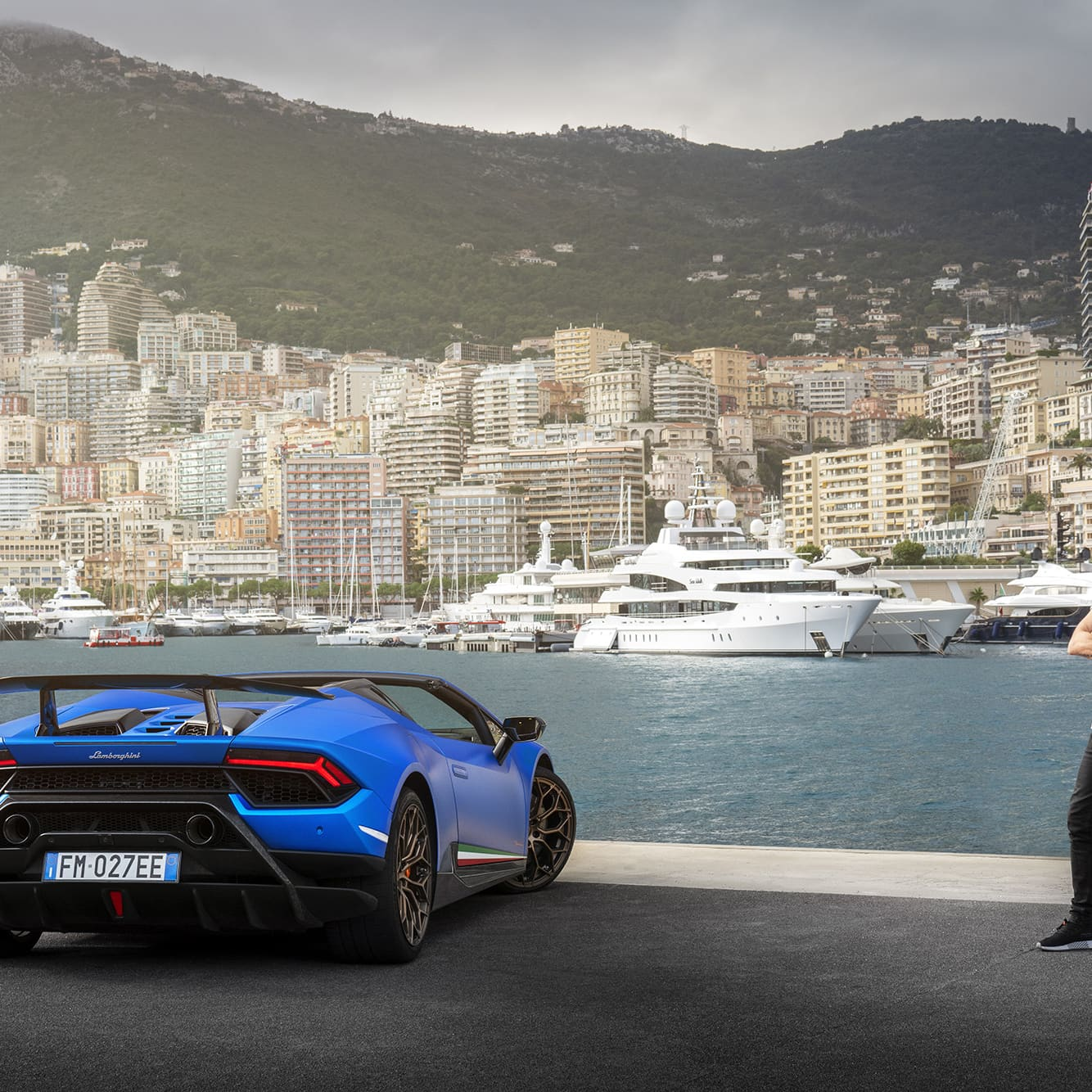 Whether Lamborghini Huracán Performante Spyder is running or not, one getsimpressed by it.