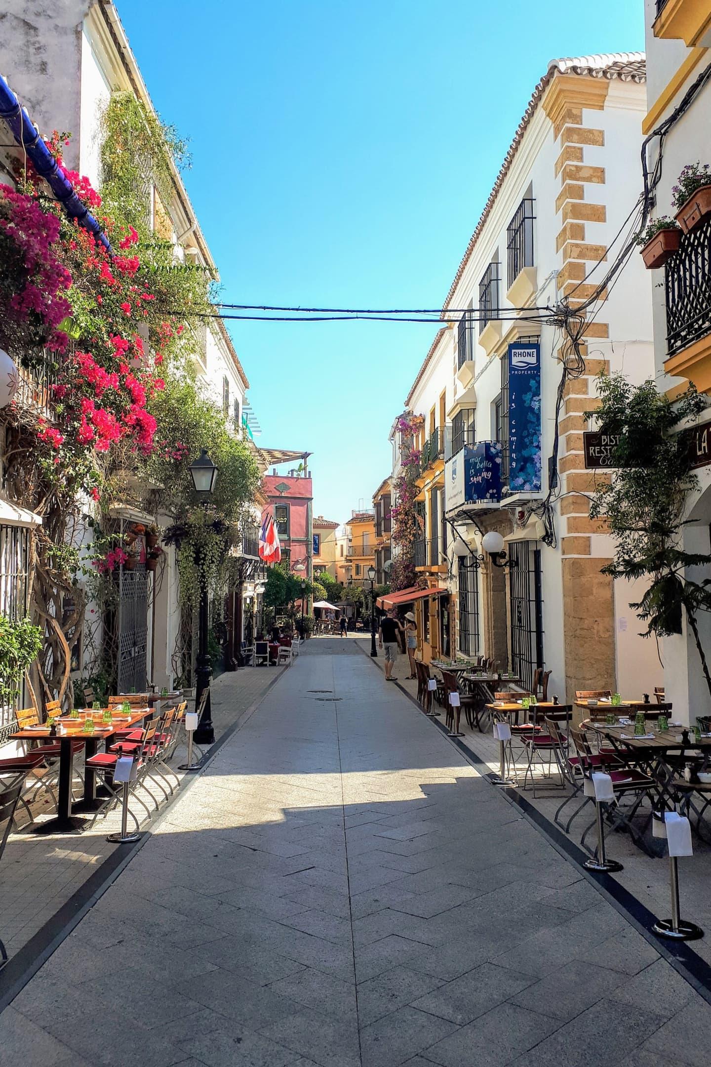 I Gamla stan finns några av de bästa krogarna, till exempel Casanis närmast till vänster i bild.