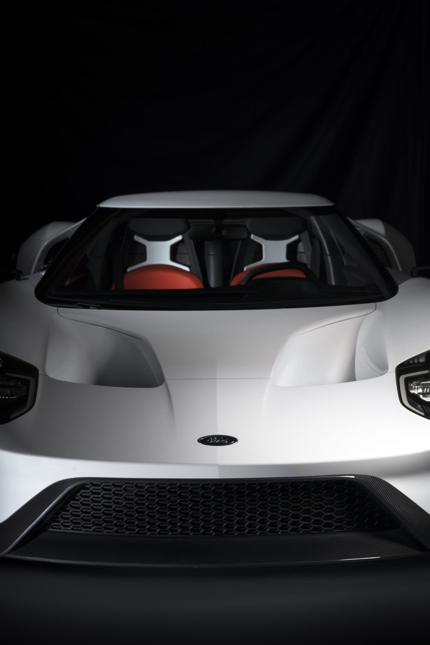 Ford GT is one of the most mythical models the brand ever produced. Just to be allowed to buy the new GT means a number of parameters for approval and placing an order.