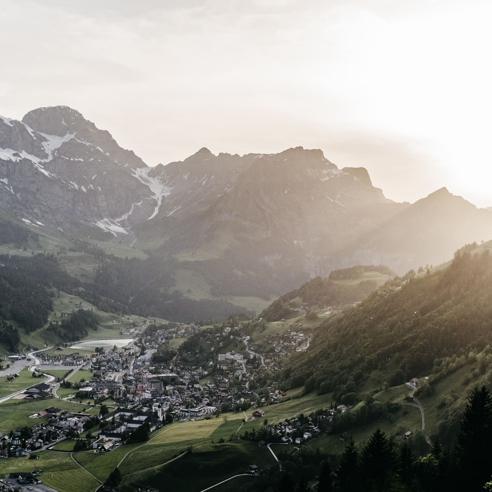 Engelberg is kissed by the last beams of light in the evening.