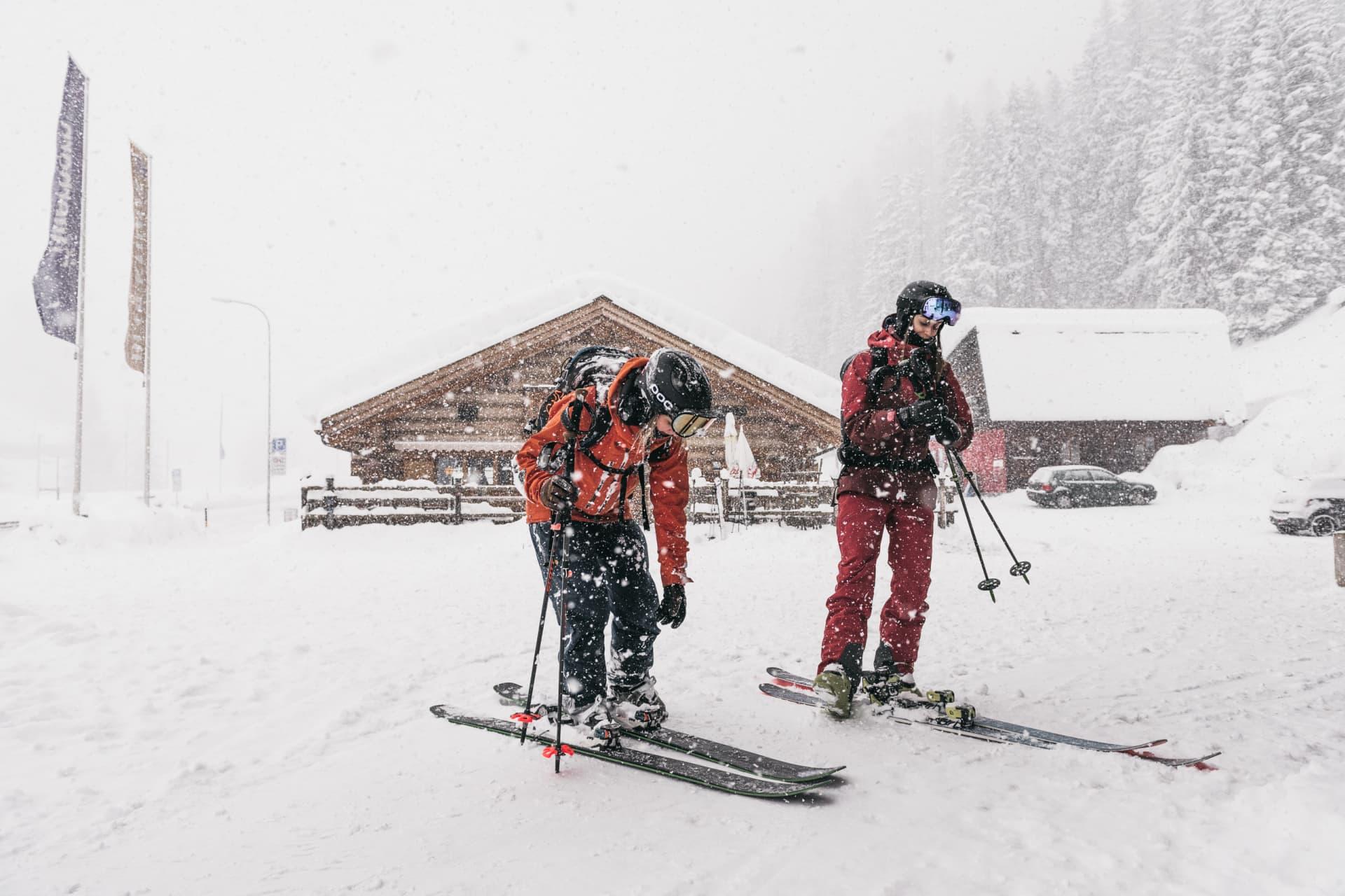 Snöigt och dimmigt i den del av Davos skidsystem som går under namnet Rinerhorn.