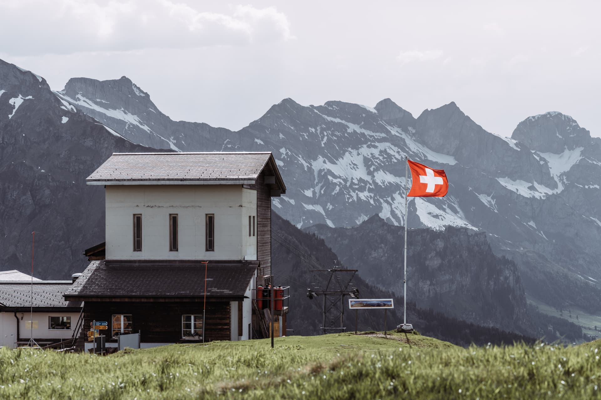 The berg station of the cable car to Fürenalp.
