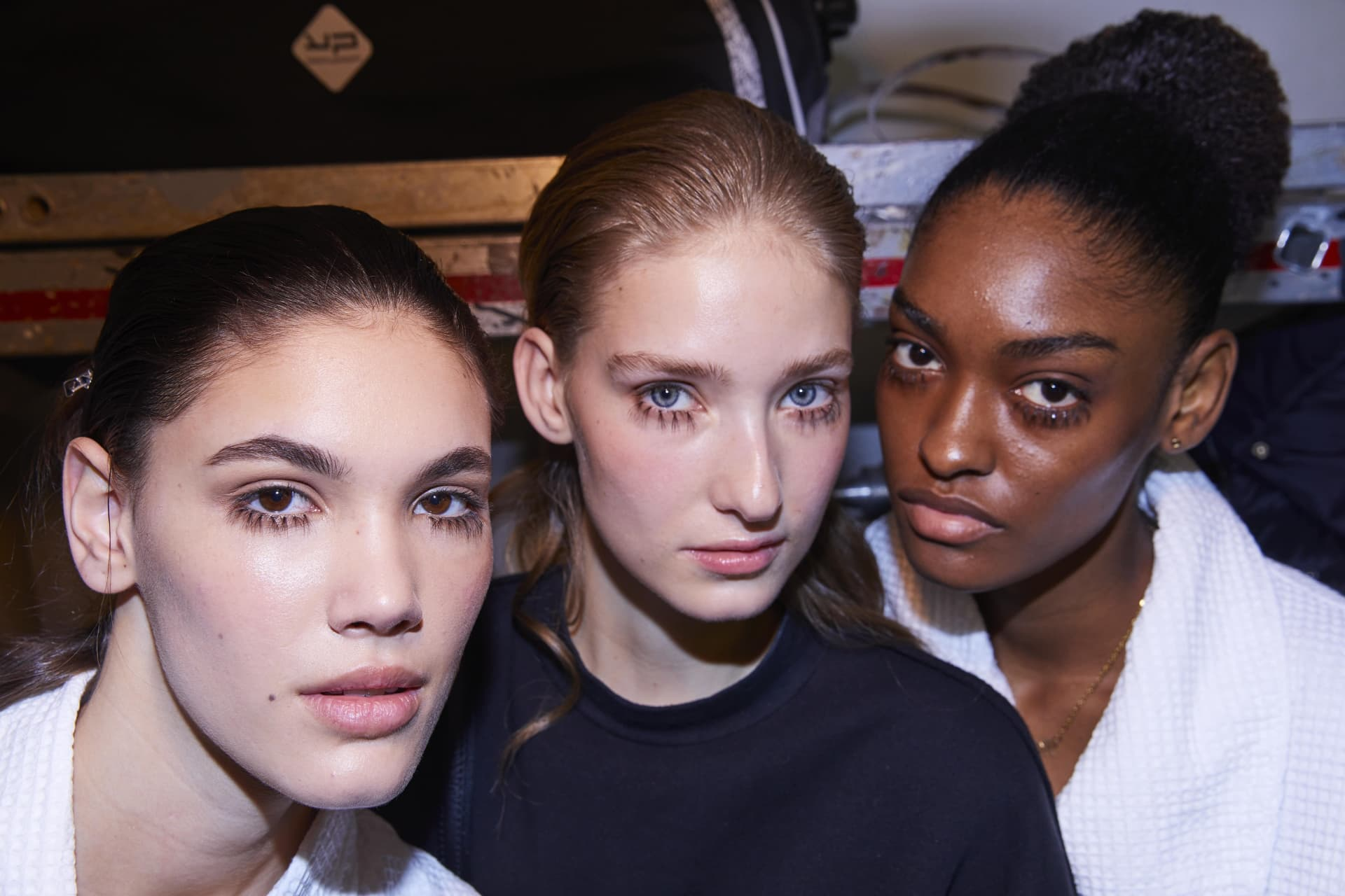 Models Bqckstqge.