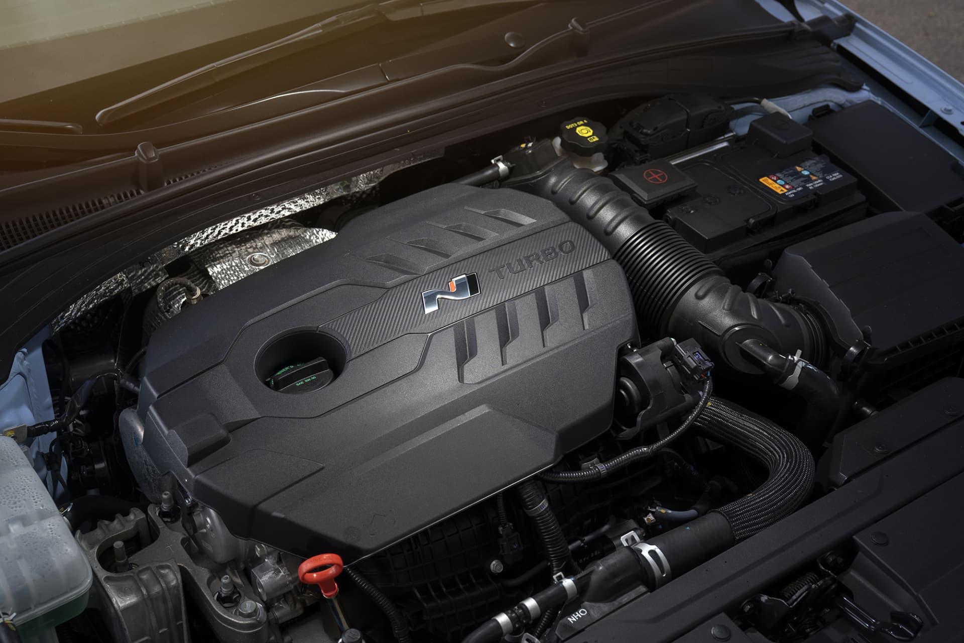 Juvelen i i30 Fastback N är en turbomatad tvålitersmaskin på 275 hästar som tar dig från noll till hundra på 6,1 sekunder.