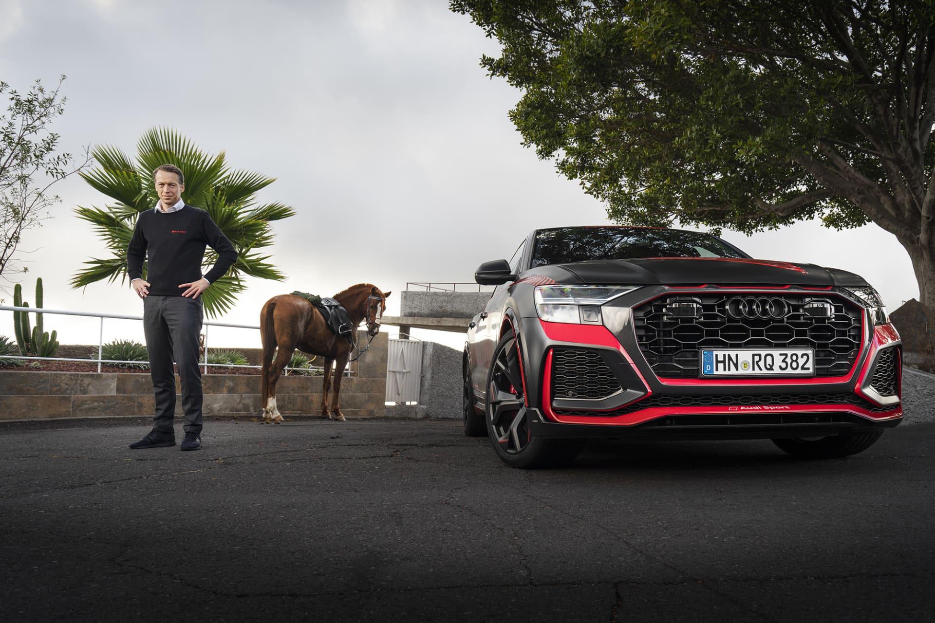 Frank Stippler, en hästkraft och Nürburgring rekordbilen Audi RS Q8 med 600 hästkrafter.