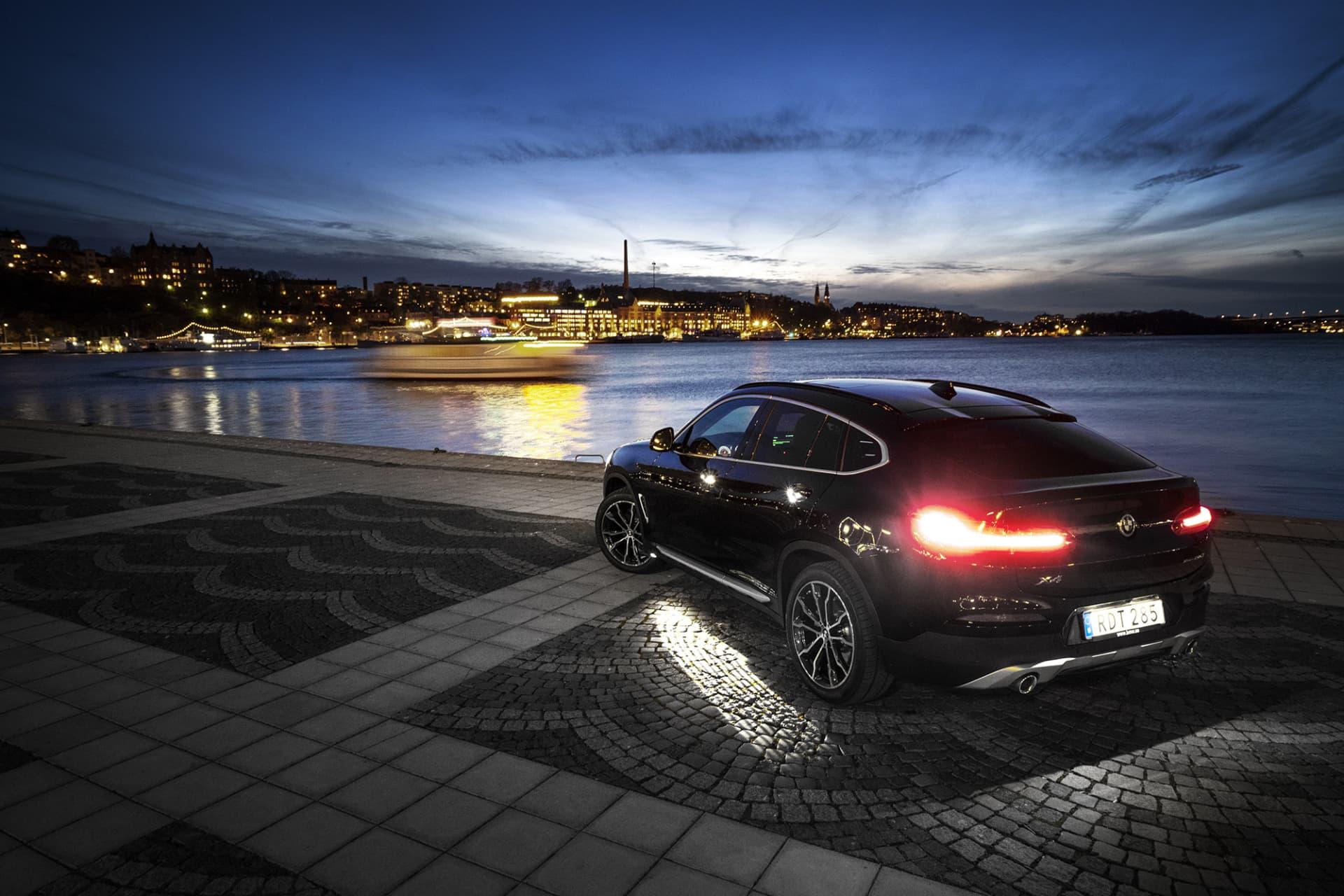 Syskonet BMW X6 anses vara den första bilen som introducerade coupéversionen bland SUVar. Det är inte alla som faller för denna ankstjärtliknande form, något som dock inte syns på försäljningssiffrorna då bilar med denna design säljs mycket bra.