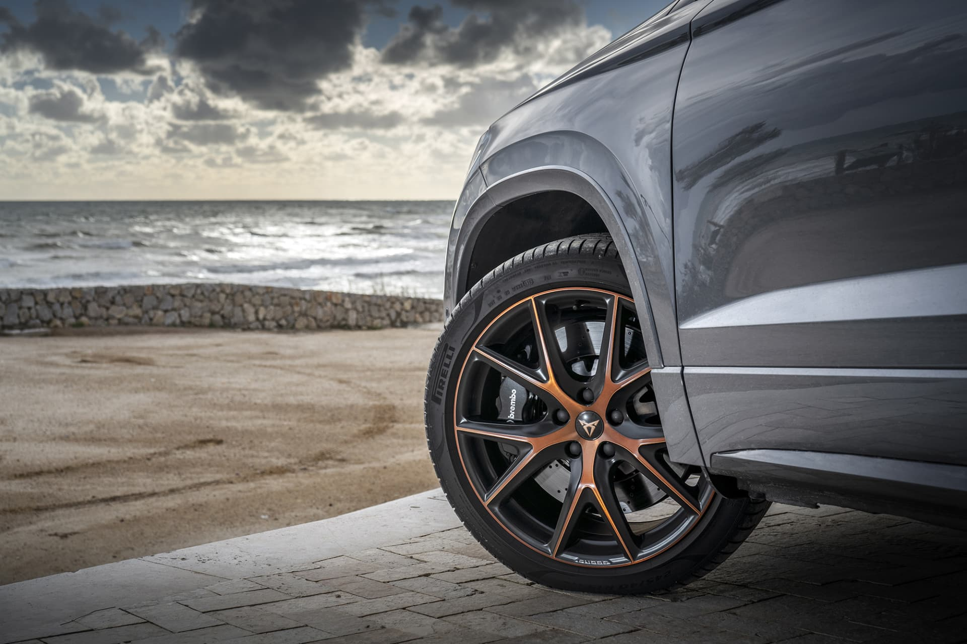 The Brembo brakes that Cupra Ateca comes equipped with do a great job when it comes to reducing speed.