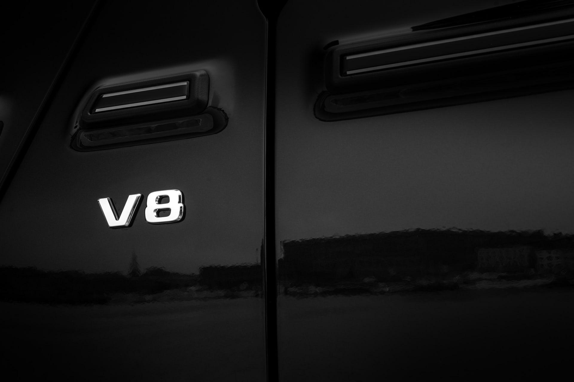 V8 motorn på fyra liter och dubbelturbo är en sann juvel, 422 hästar och 610 Newton i vrid. Detta räcker gott och väl och får aldrig G500 att kännas annat än pigg och allert.