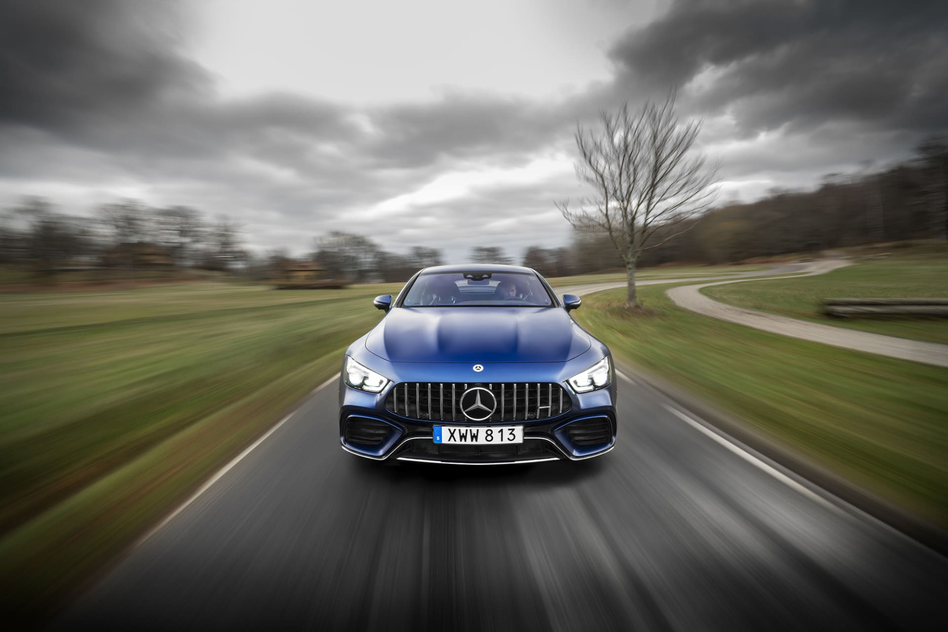 The angry grill on the AMG GT63s gives great respect. If you have this view in the rear view mirror, you are in the wrong lane - keep to the right.