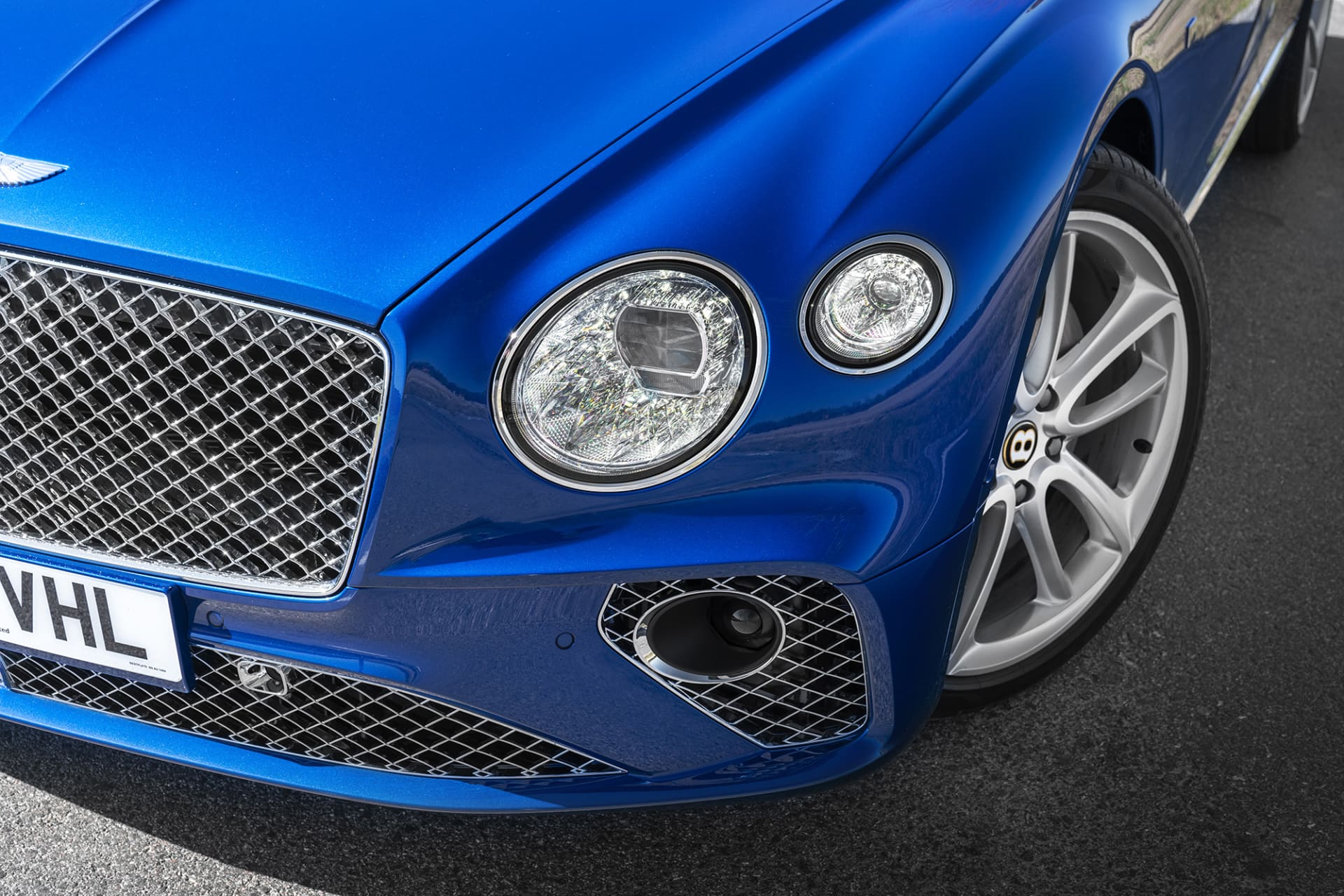 The crystal-looking headlights are works of art, sparkling beautifully even in daylight.