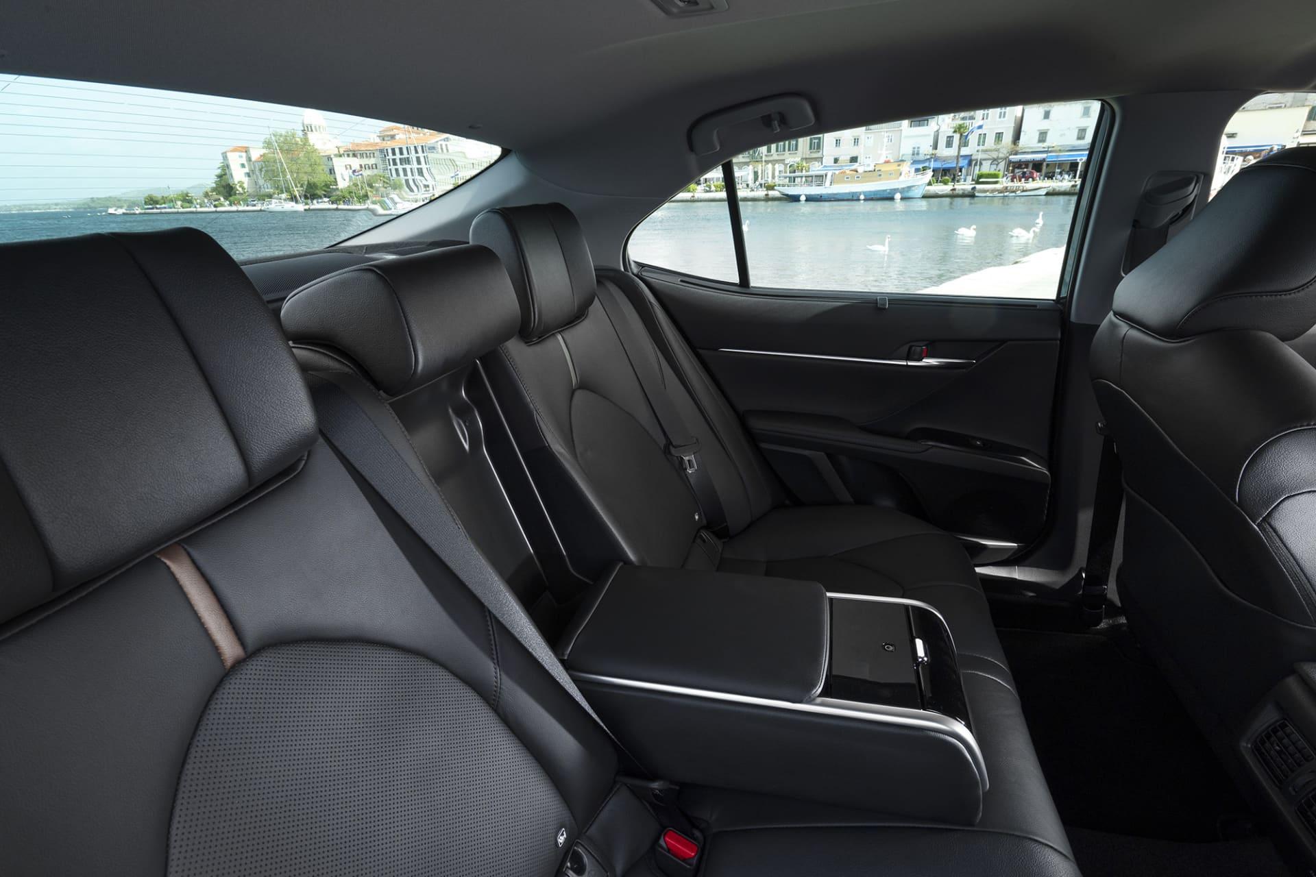 I baksätet på nya Camry sitter man otroligt bra och det här borde bli en mycket uppskattad modell för taxiindustrin.