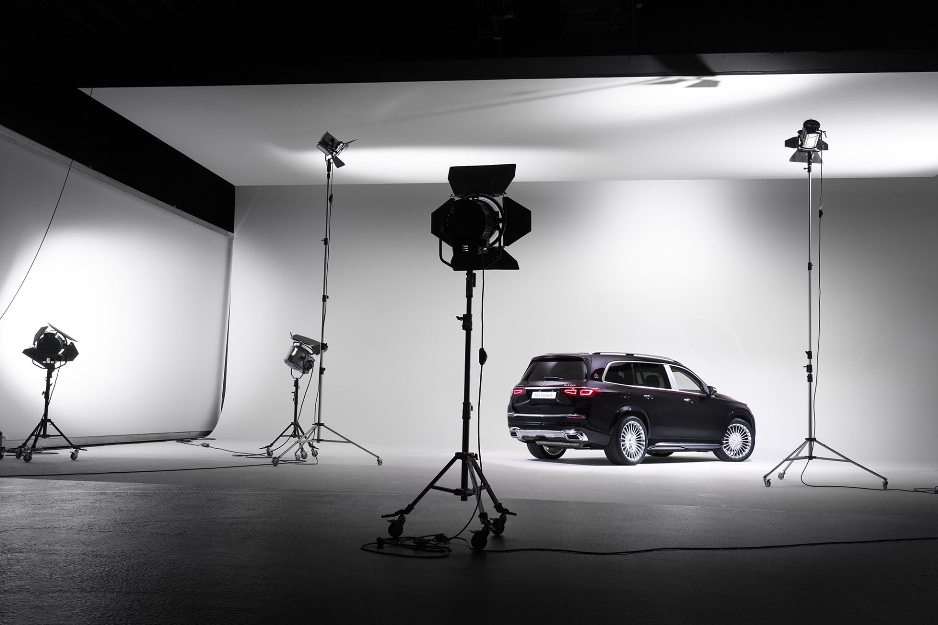 Maybach GLS In the spotlight where it fits best. The number of people who will find on the European roads is probably a relatively low figure since customers are mainly found in Asia, the Middle East and America.