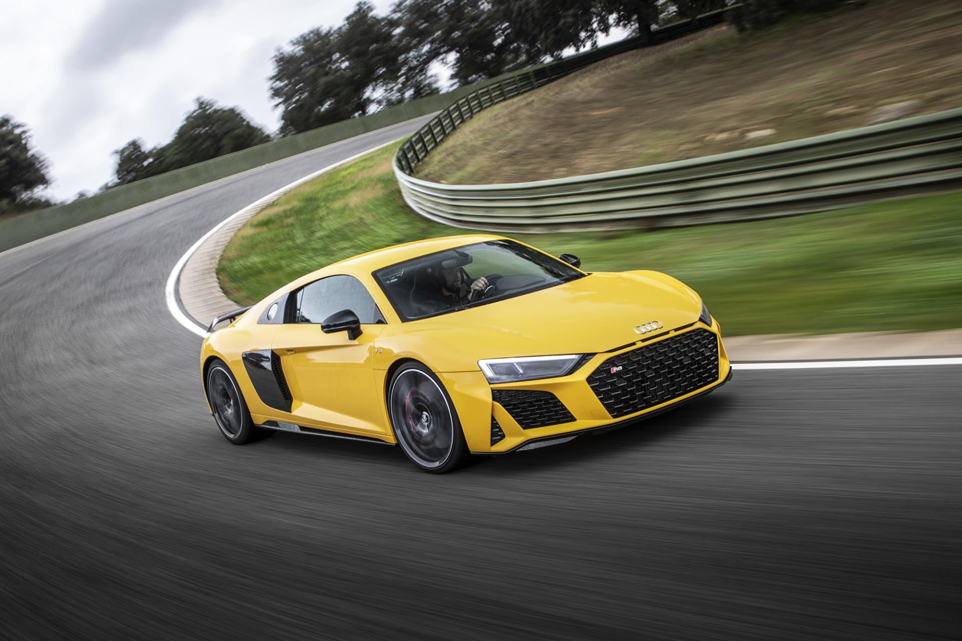 Audi R8 är helt klart en supersportbil som får mitt hjärta att slå hårdare. Jag föredra personligen spyderversionen där man får full tillgång till soundtracket från den tjuvliga V10-motorn (foto: Ingo Barenschee).