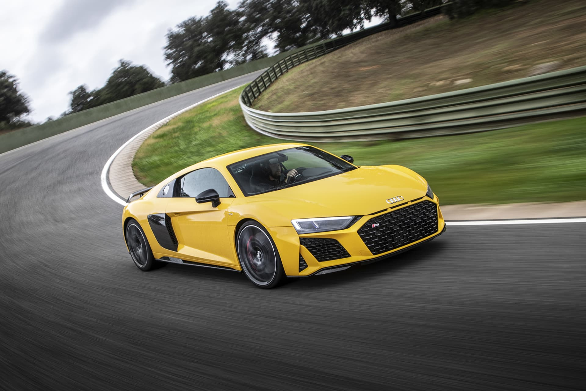 Audi R8 is definitely a sports car making my pulse go up. I personally prefer the Spyder version where you get full access to the soundtrack of the lovely V10 engine. (photo: Ingo Barenschee).