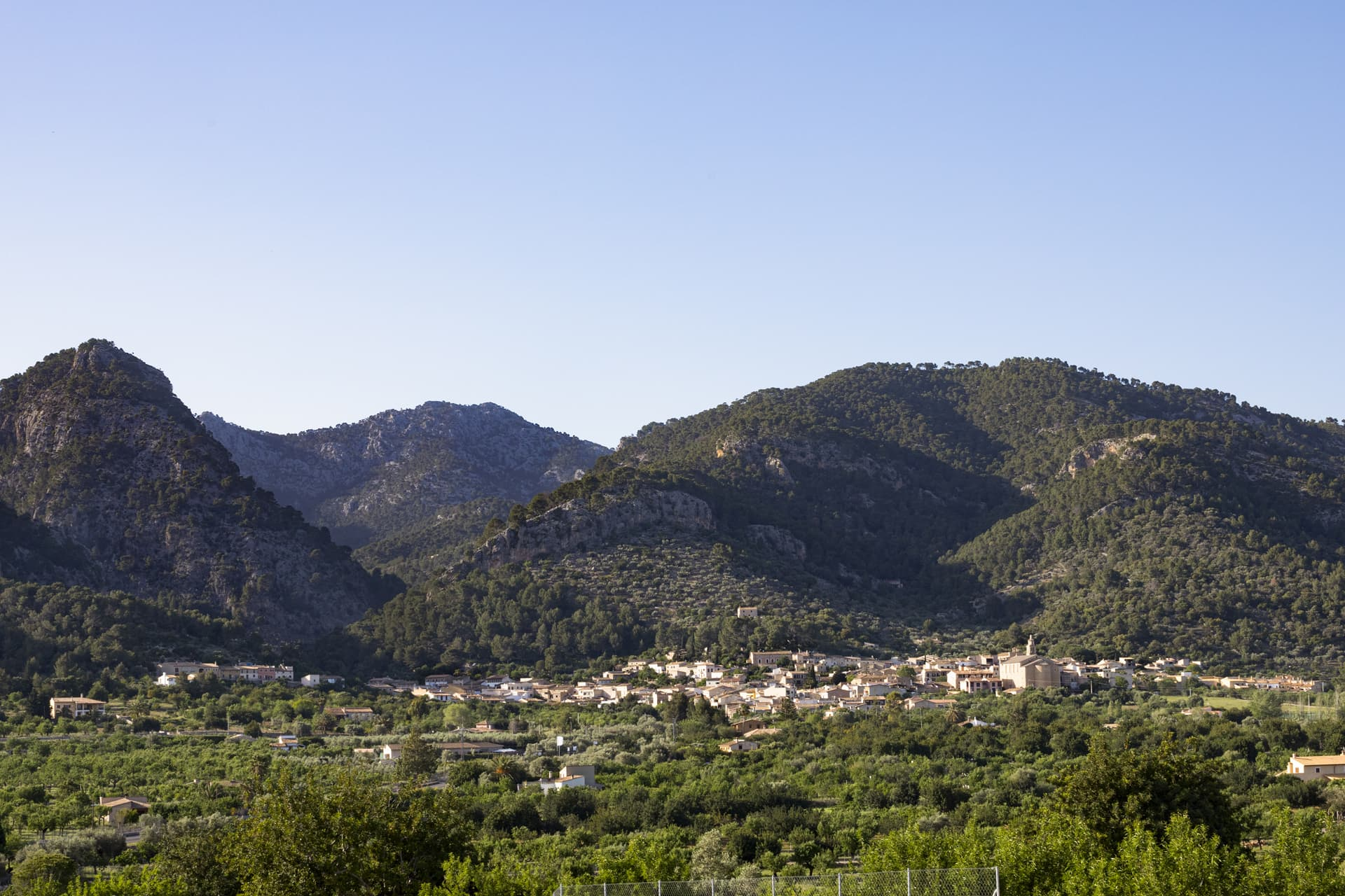 Caimari at the foot of the Sierra de Tramuntana.