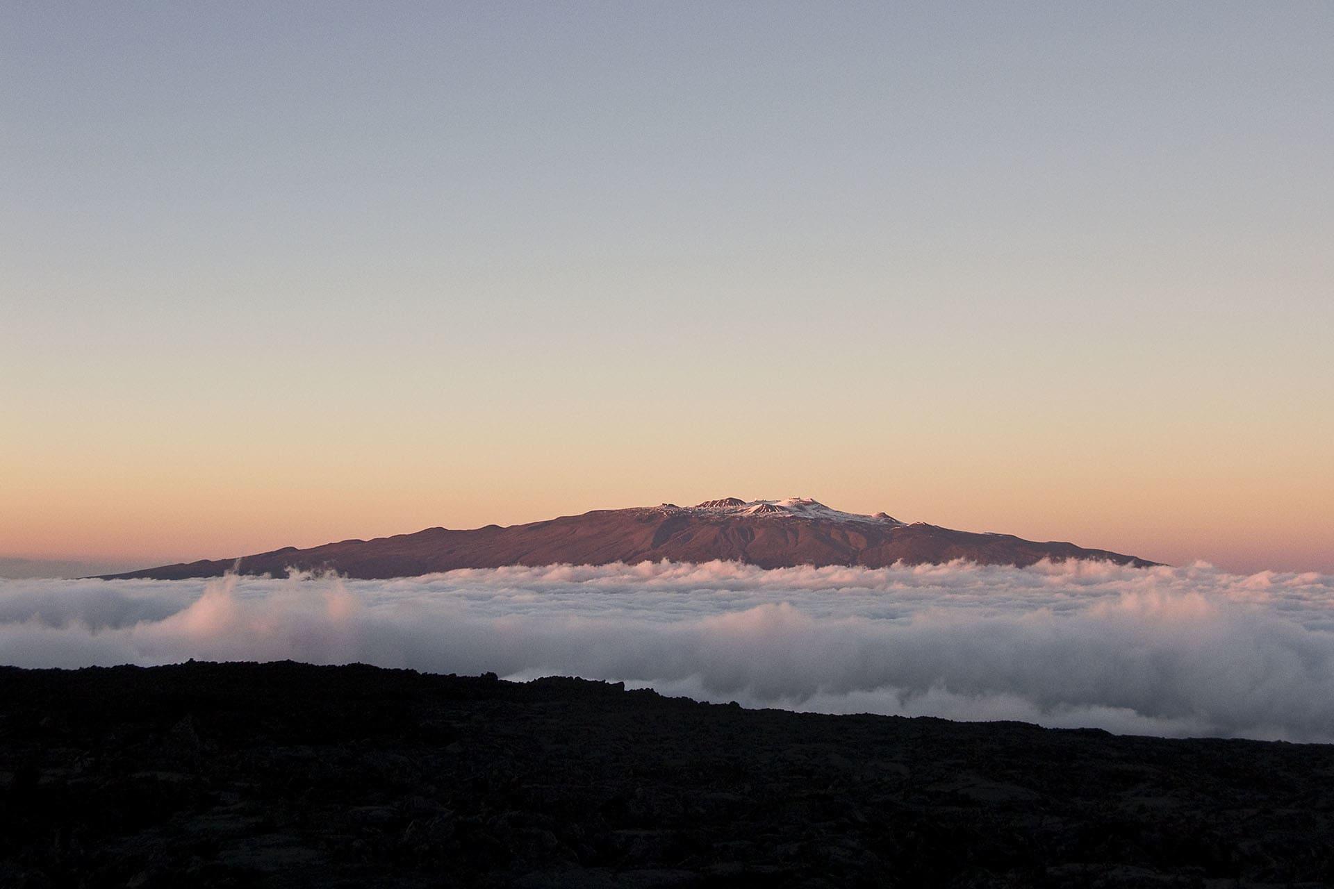 """Mauna Kea, världens högsta berg mätt från foten av ett berg till dess topp. Men bara"""" 4205 meter över havsytan."""