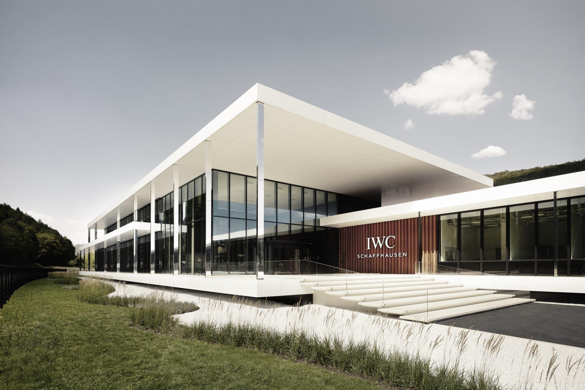 IWC firar också sitt jubileum med att invigaen till produktionsbyggnad i Schaffhausen.©IWC