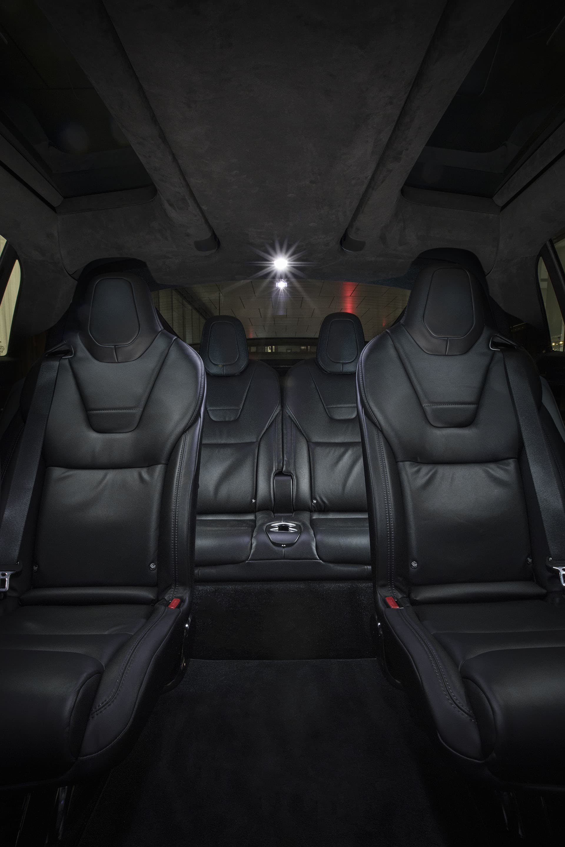 In the Tesla Model X, six people travel incredibly comfortably in separate chairs that can be adjusted.
