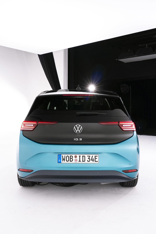ID.3 har genomgående mjuka och runda former. Man skulle kunna säga att den är gulligt i jämförelse med andra Volkswagen modeller.