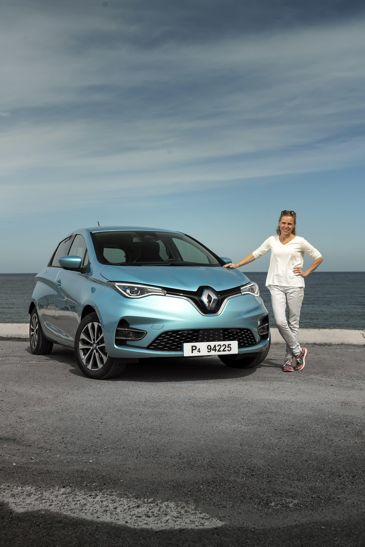 Bakom formgivningen ligger svenska bildesignerna Agneta Dahlgren som även var ansvarig för första generationen av Zoe.