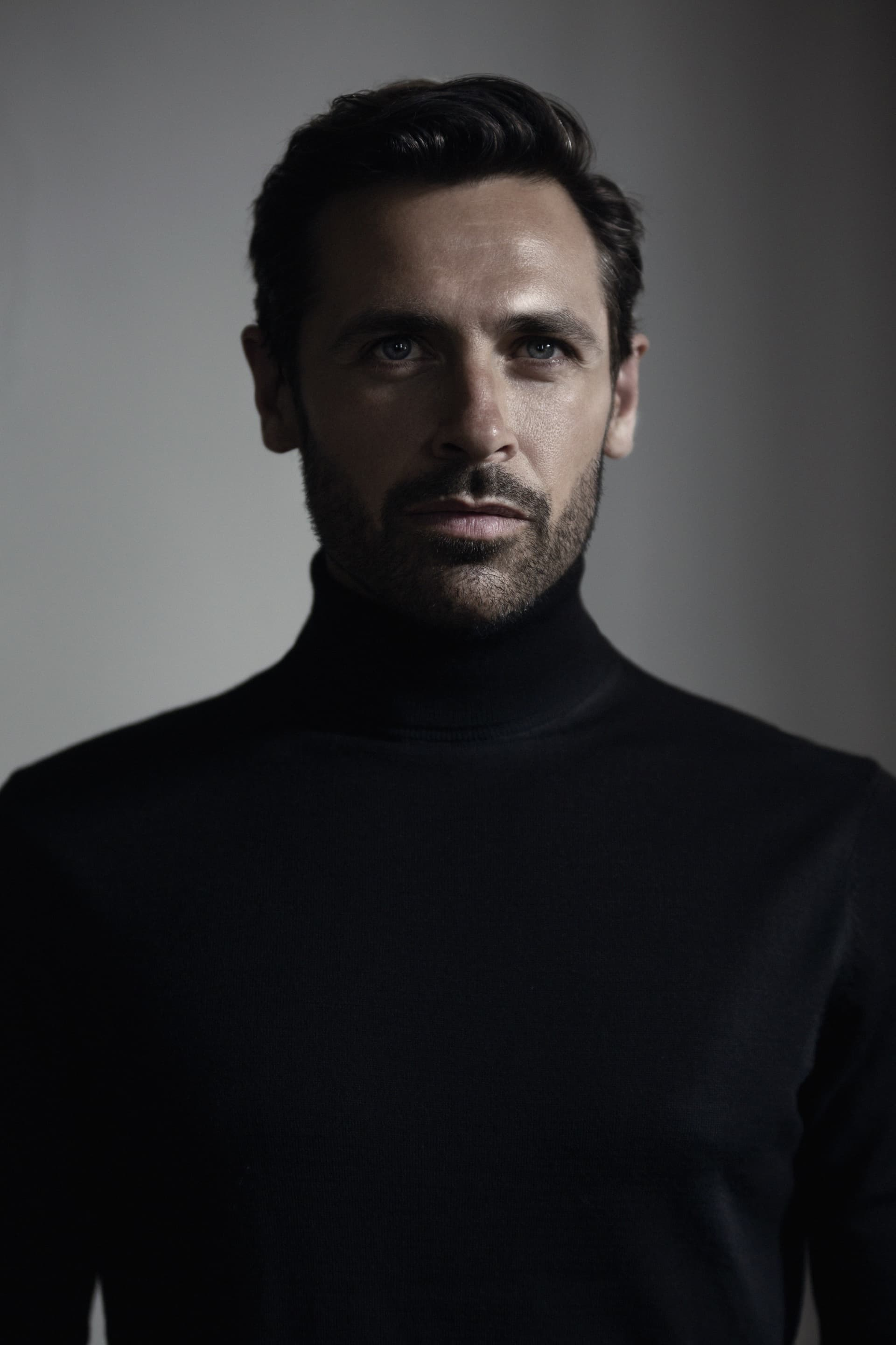 Turtle-neck, model'sown. Watch, Fossil.