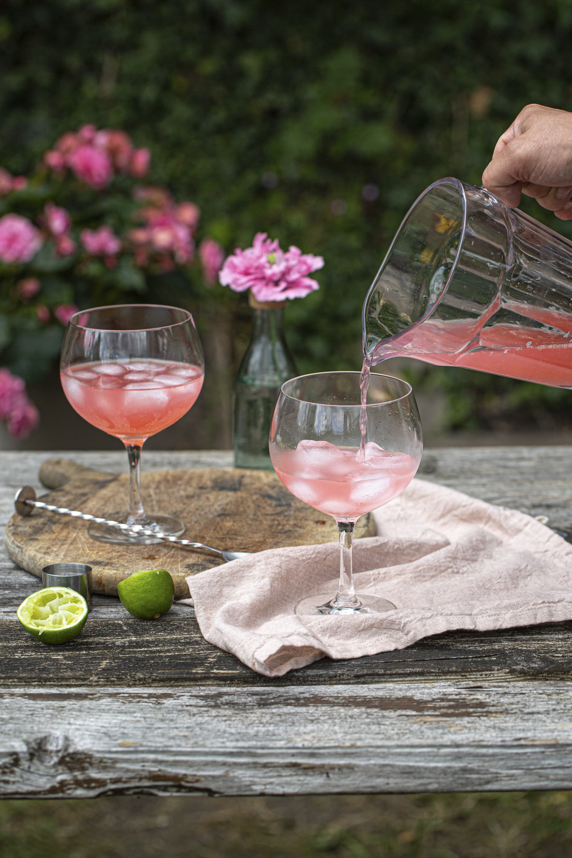 Just pour yourself the perfect garden cocktail, Sour Gin Rickey!