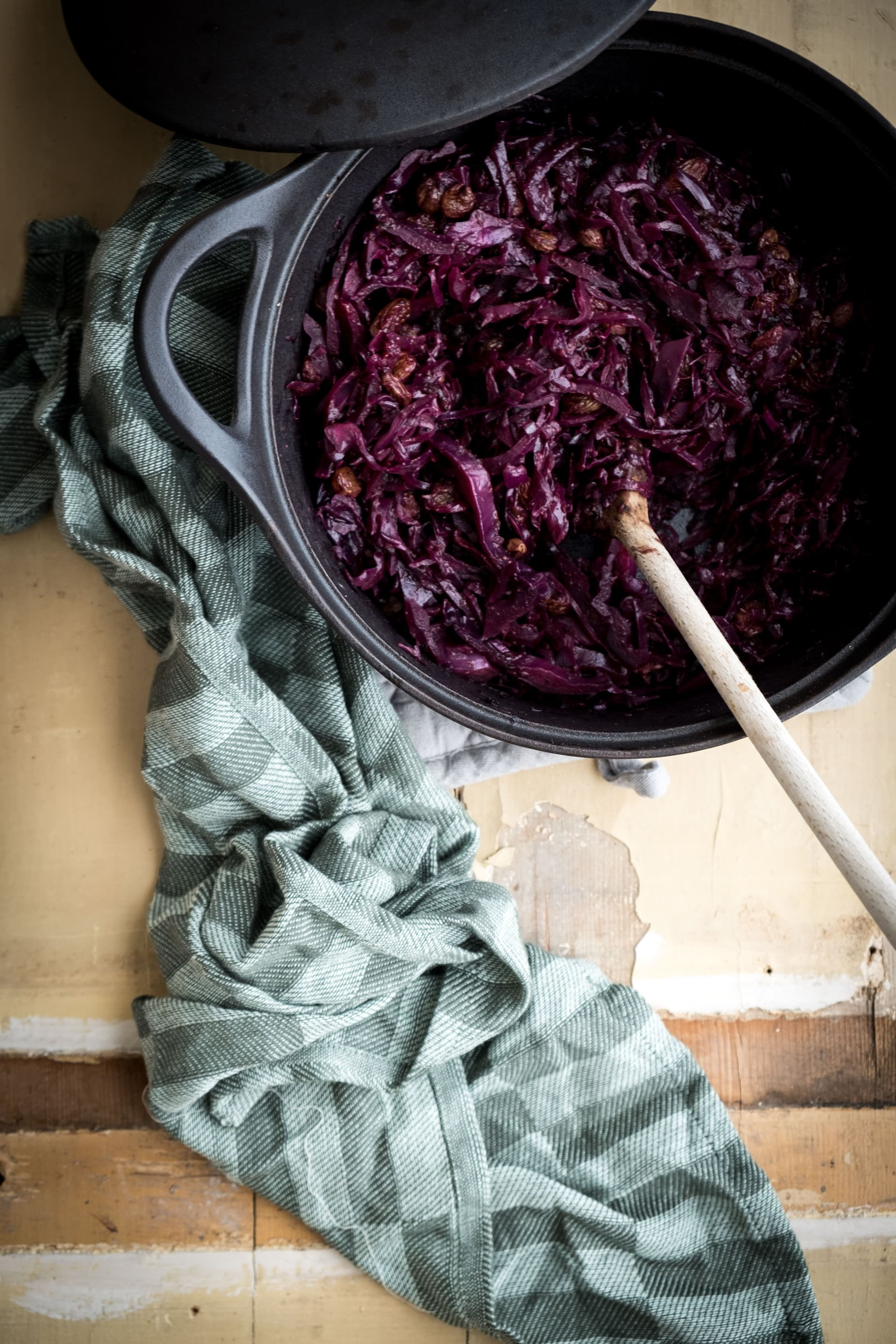 Steamed red cabbage with Chinese 5 spice and plums