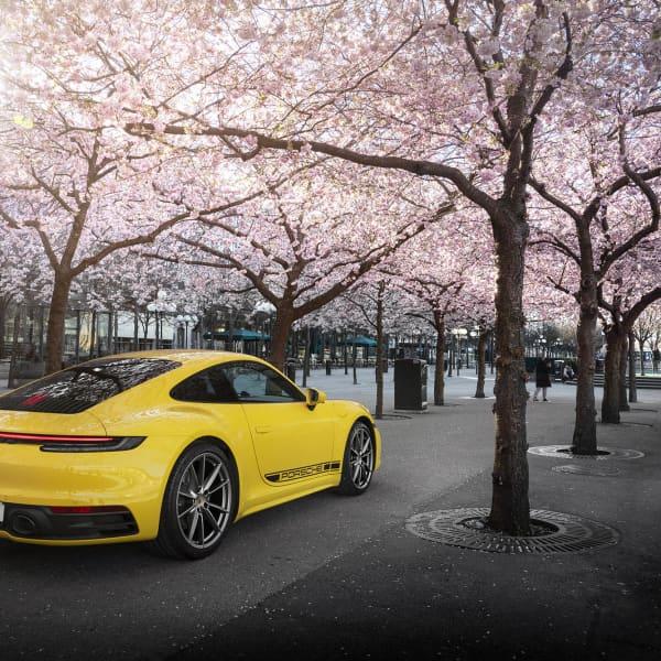 En så tidlös design så klockorna stannar. Porsche 911 har funnits länge och kommer utan tvekan fortsätta leva en lång tid framöver.