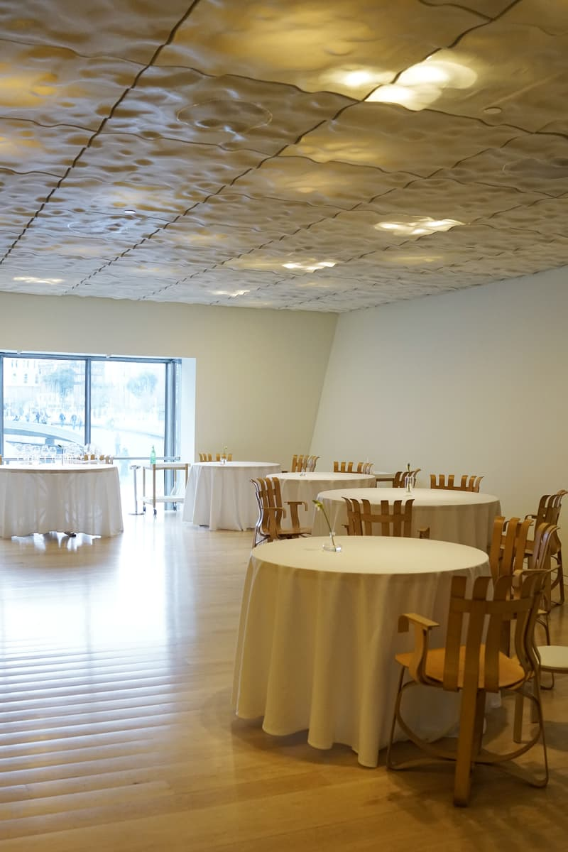 Nerua is situated inGuggenheim Museum Bilbao and has one star in Guide Michelin.