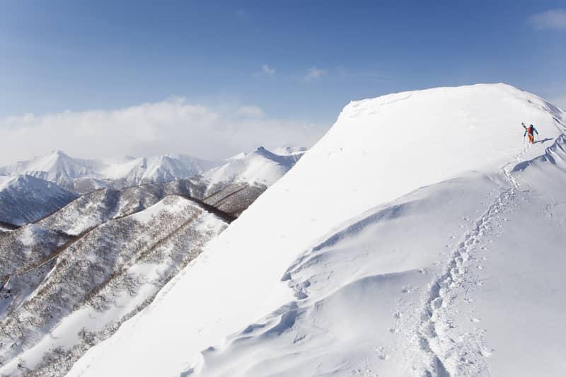 Oscar Hübinette and the mountains near Petropavlovsk-Kamchatsky.