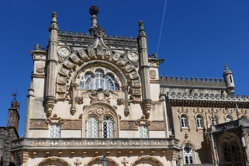 The beautiful Neo-Manueline façade of Palace Hotel of Buçaco. Photo credit: Vitor Oliveira.