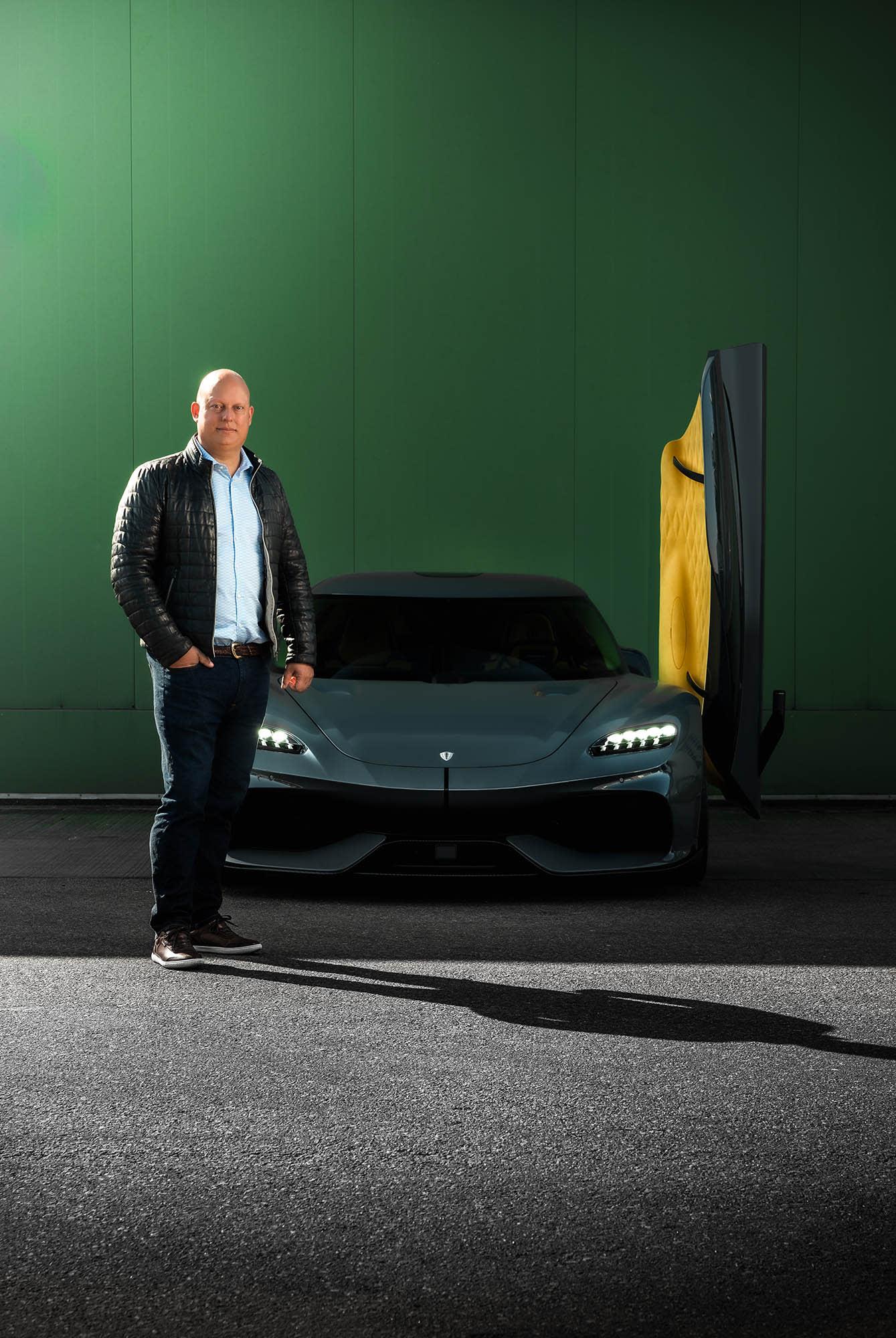 Christian Von Koenigsegg, mannen bakom drömfabriken i Ängelholm. I tjugofem år har han nu byggt hypersportbilar som har slagit rekord andra bara kan drömma om.