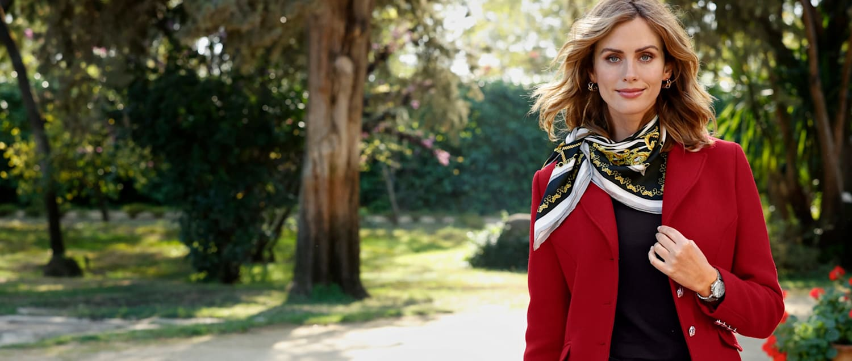 Habillée avec raffinement grâce à notre mode femme en rouge