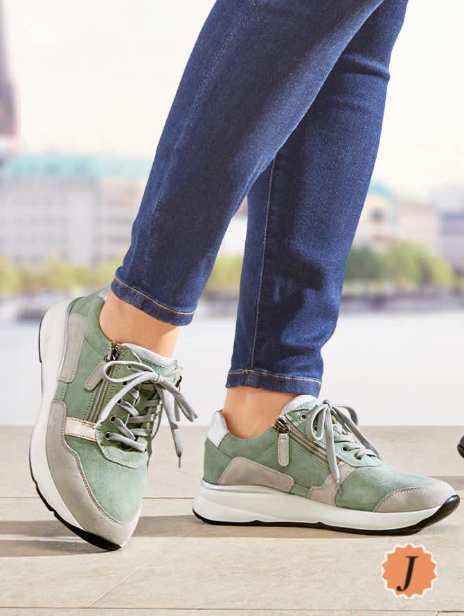Schuhe in Weite J