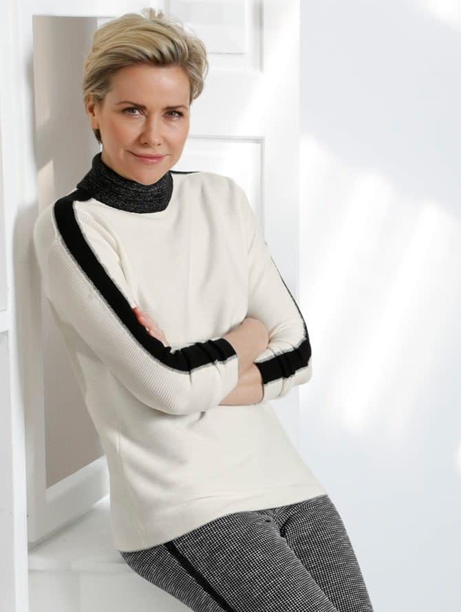 Adopter la mode femme en noir et blanc