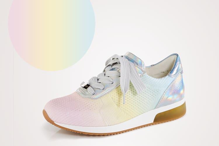 Schuhe in Pastellfarben