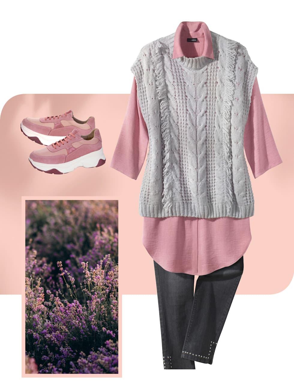 MIAMODA Große Größen Kampagne strahlende Farben - Outfit in der Farbe lila